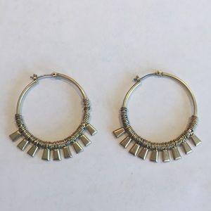 Stella & Dot Gold Bungalow Hoop Earrings